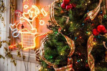 Come puoi decorare i tuoi interni per le vacanze natalizie ?